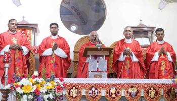 Karkala : Bishop Francis Serrao celebrates mass on 3rd day eve of St Lawrence Feast